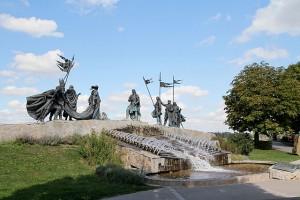 640px-Tulln_-_Nibelungenbrunnen